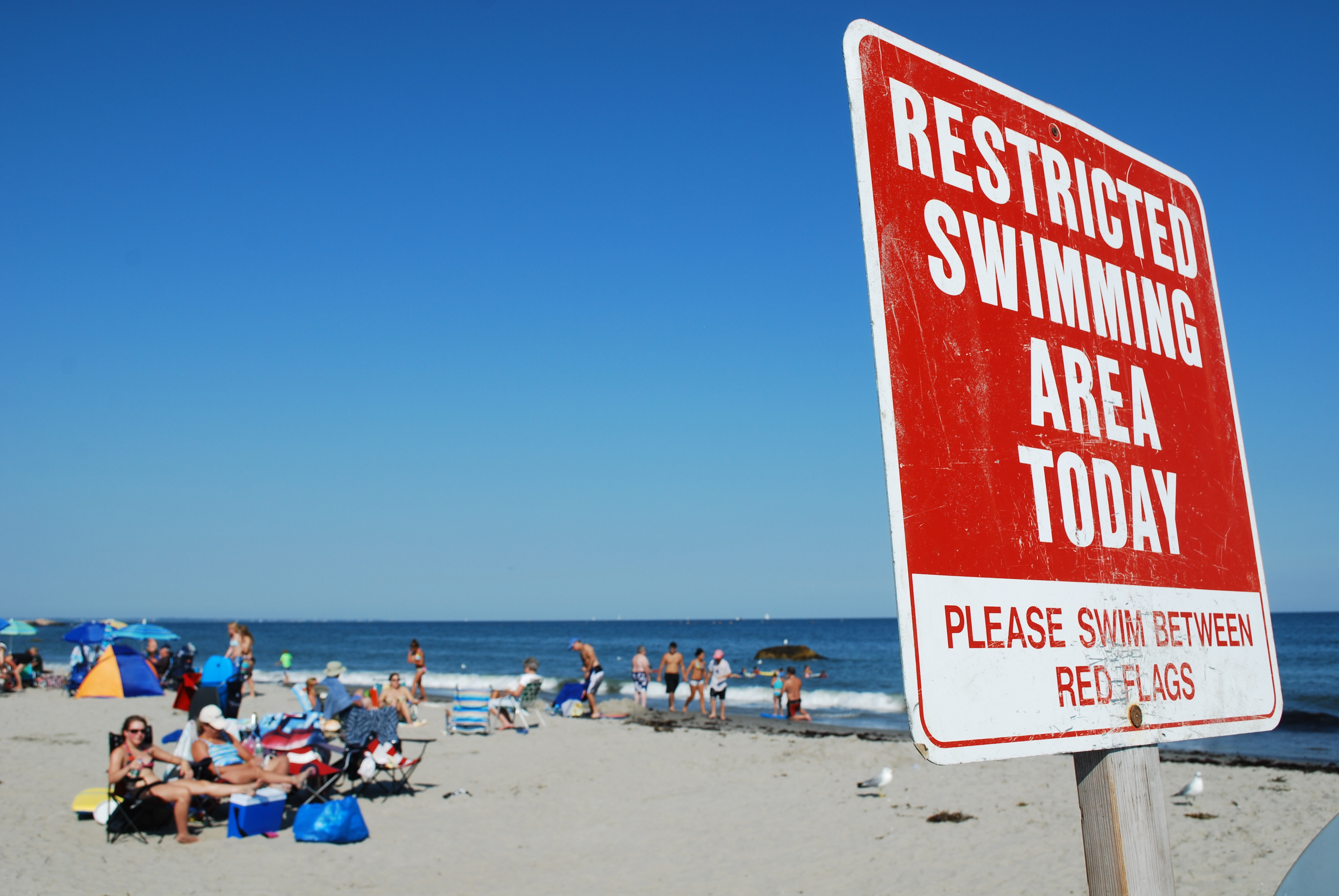 recreational water quality standards, no swimming sign, posted beach